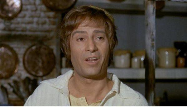 Nino Manfredi nel ruolo di Cornacchia ne <em>Nell'anno del Signore</em> (1969)
