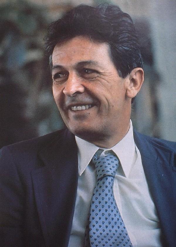 «Caro Enrico, ci manchi». Berlinguer non ha lasciato un vuoto, ma un baratro nella politica italiana A 36 anni dalla sua scomparsa, nessuno è riuscito a prendere il posto di Enrico Berlinguer nella sinistra e nel cuore degli italiani